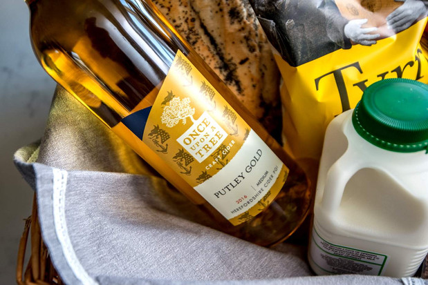 A local hamper with every stay