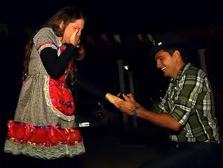 Como fazer um pedido de casamento surpresa?