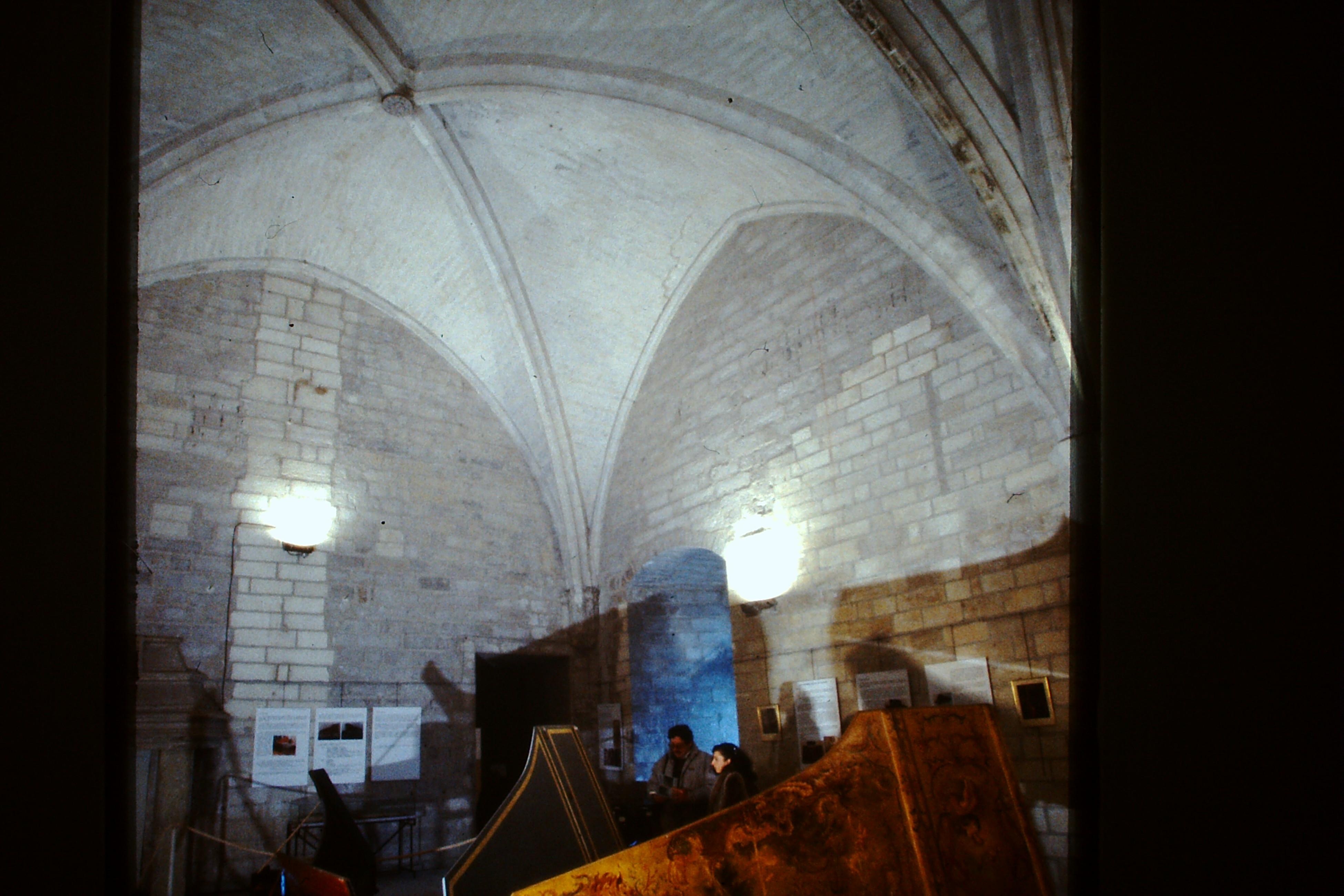 exposition au palais des papes clavecin