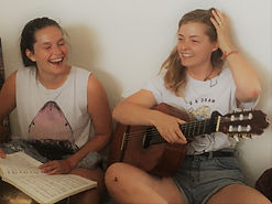 Cours de chant, sonothérapie, massage sonore, Montréal, Nathalie-France Forest, chanthérapie, bol tibétain