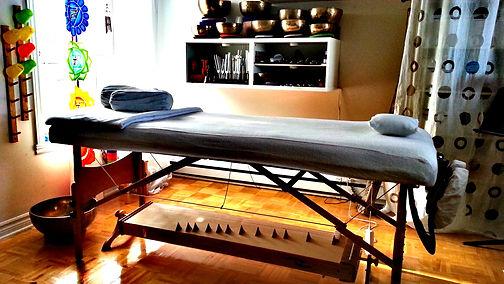 Cours de chant, sonothérapie, massage sonore, Montréal, Nathalie-France Forest, chanthérapie, bol tibétain, Montéal