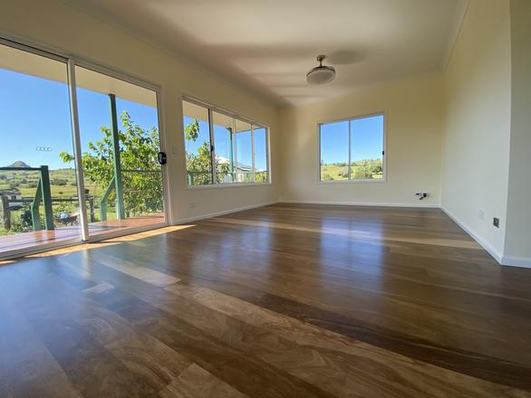 Beautiful floor & Views