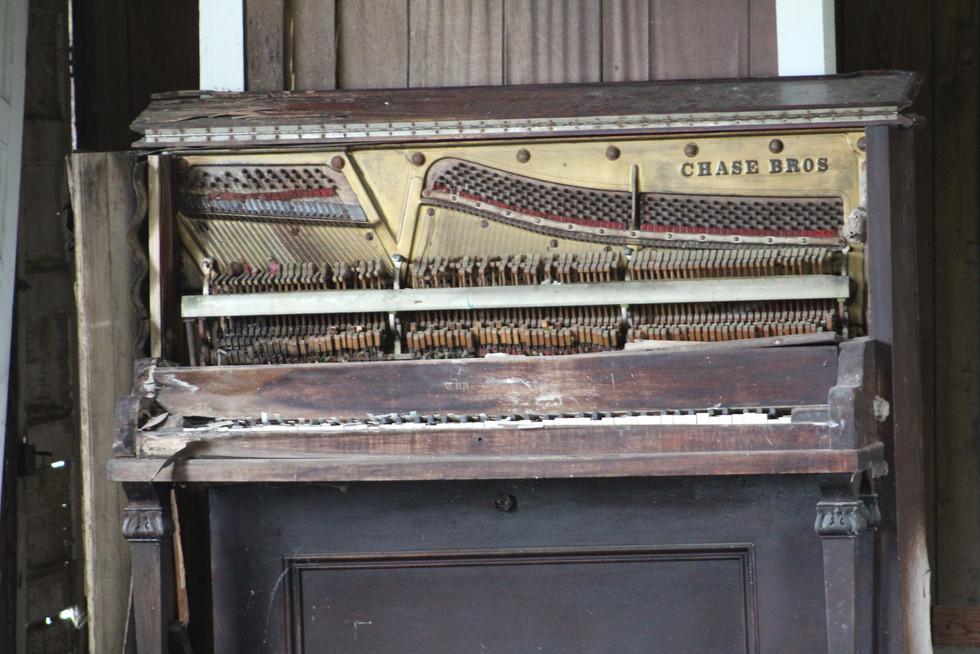 Piano Closer