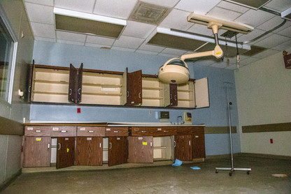 The next room over still had it's light in tact too. From what I could tell, this was the ER.