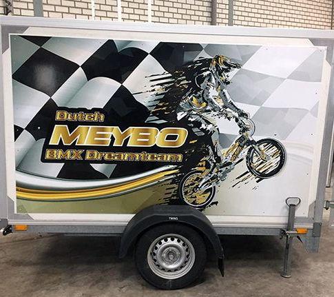 ontwerp / belettering BMX Dreamteam aanhangwagen