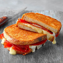 Grilled-Cheese-and-Pepperoni-Sandwich_EX