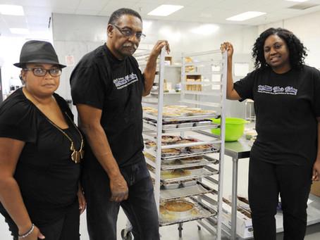 'Mommie Helen,' San Bernardino bakery namesake, dies