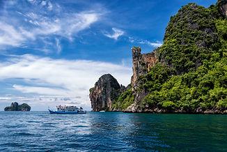 thailand-ocean-tropics-trees-boat-sky-15