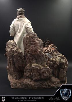 Tusken_Raider_and_Massiff_MYC_Sculptures_Statue_05