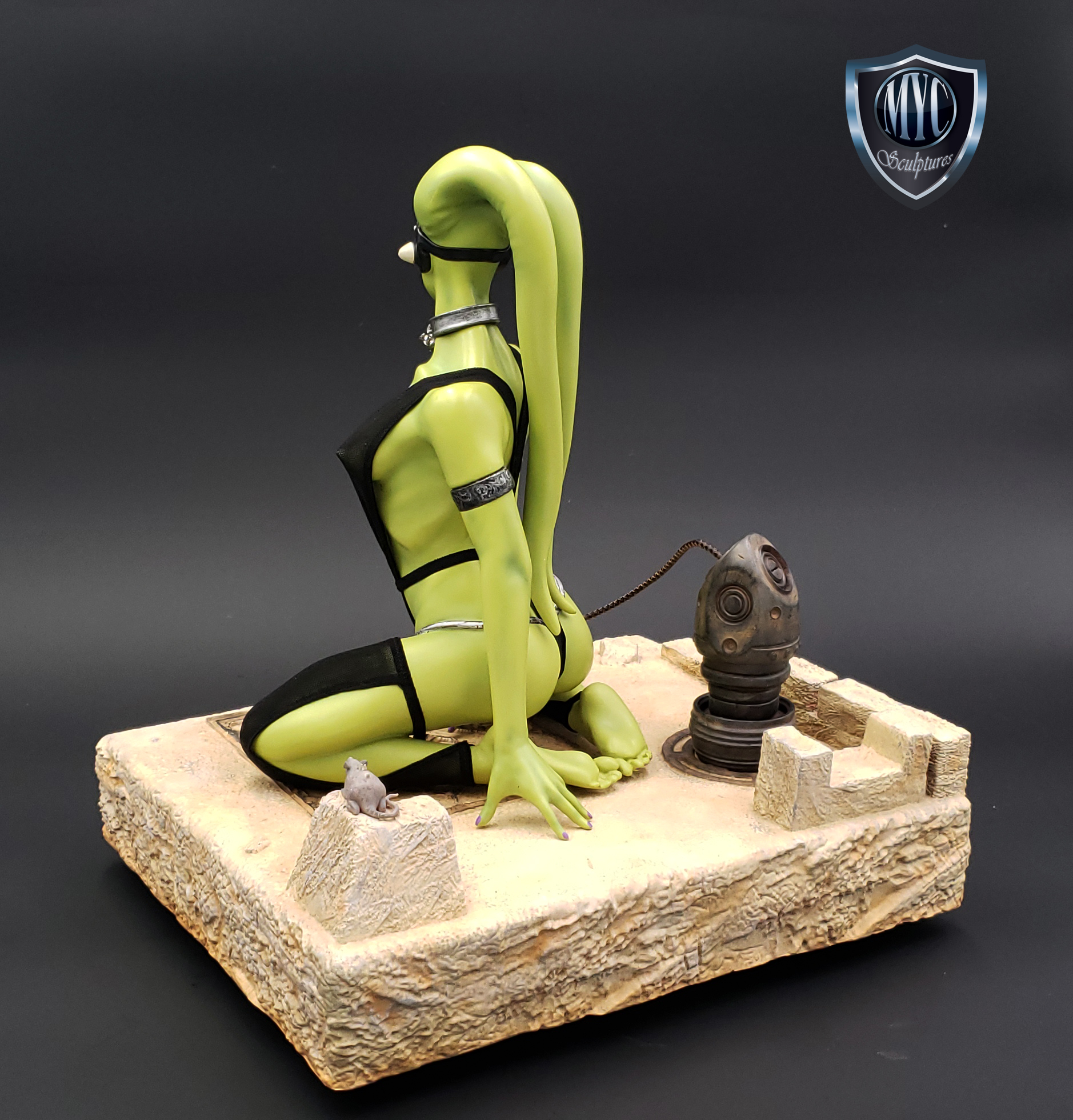 Oola_Star_Wars_Statue_04