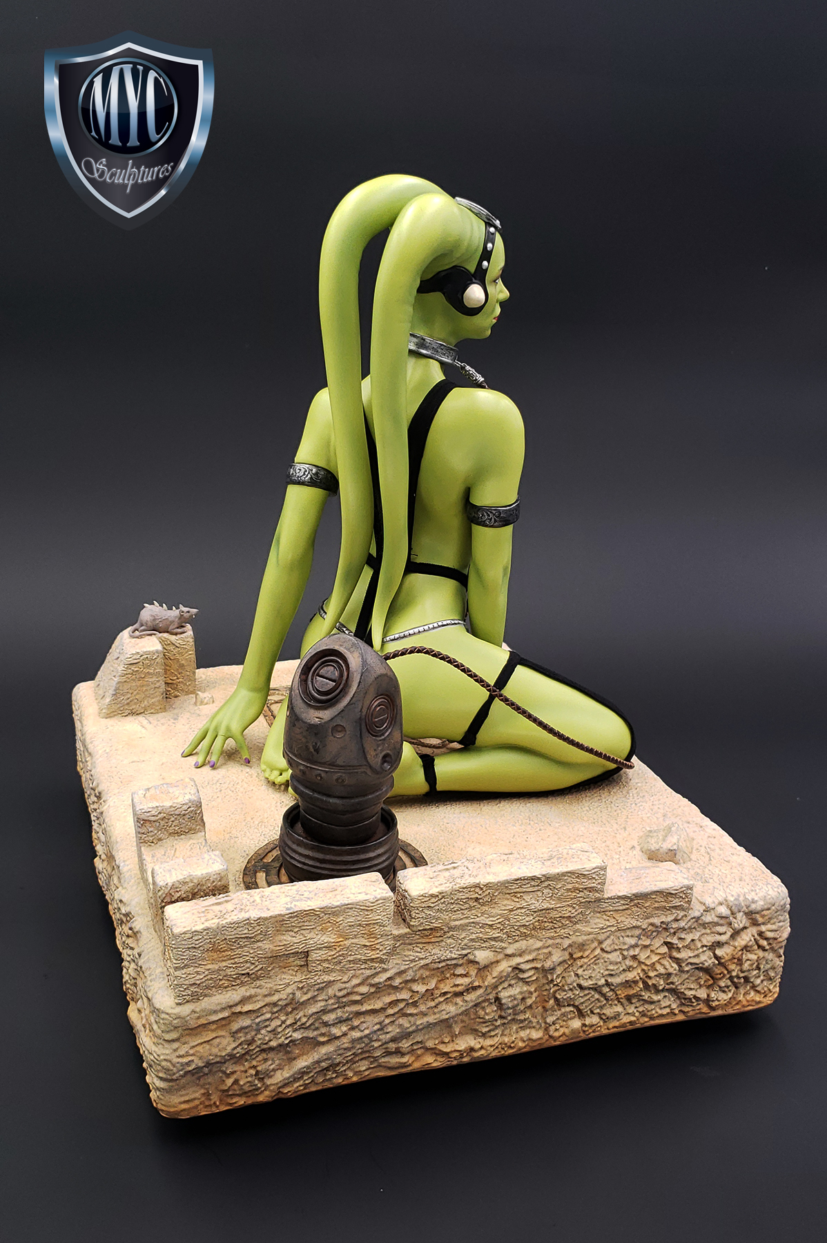 Oola_Star_Wars_Statue_06