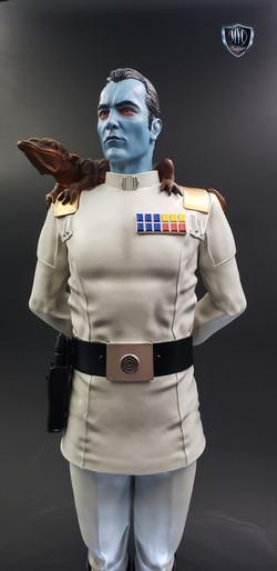 Thrawn_custom_statue_MYC_Sculptures_21