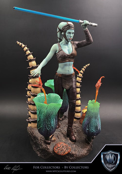Aayla_Secura_MYC_Sculptures_Statue_02