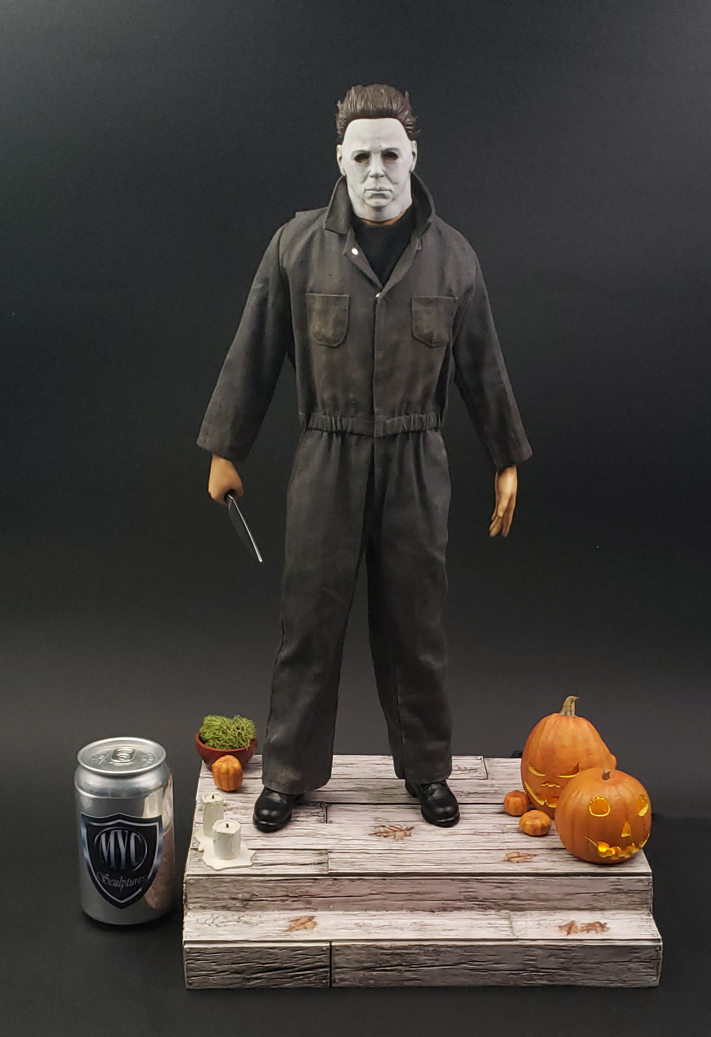 Michael_Myers_Custom_Statue_CAN