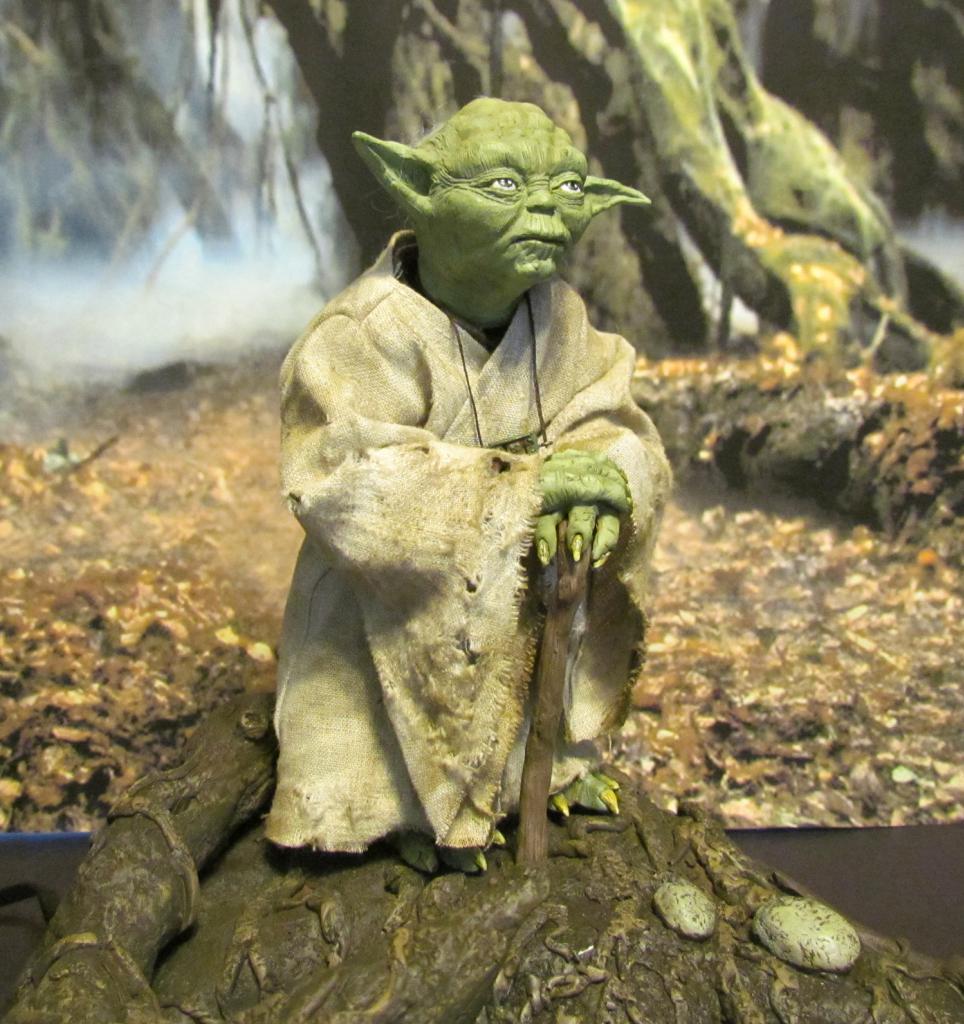 Yoda Premium Format Statue MYC