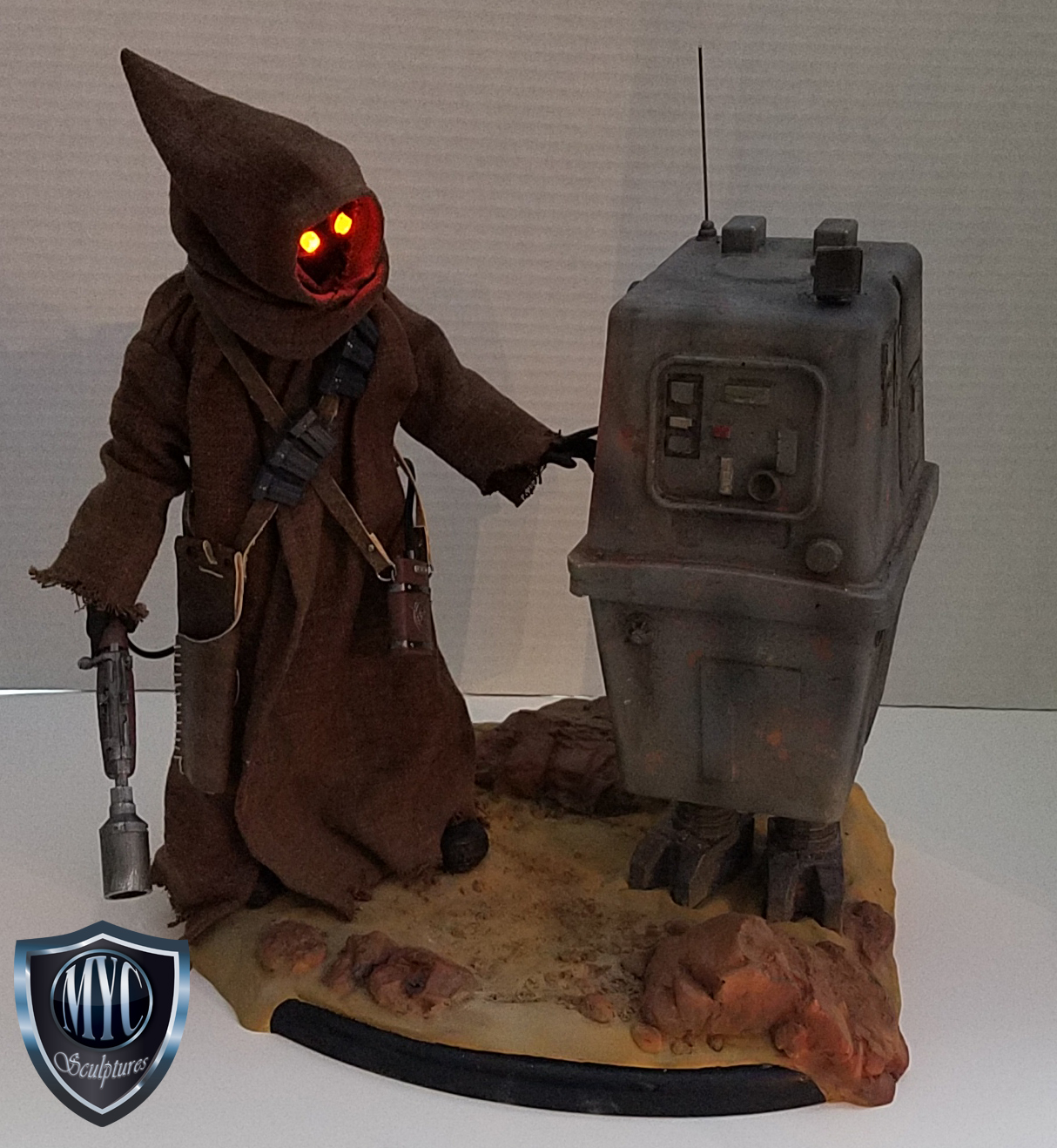 Jawa_and_Gonk_Droid_Statue_12