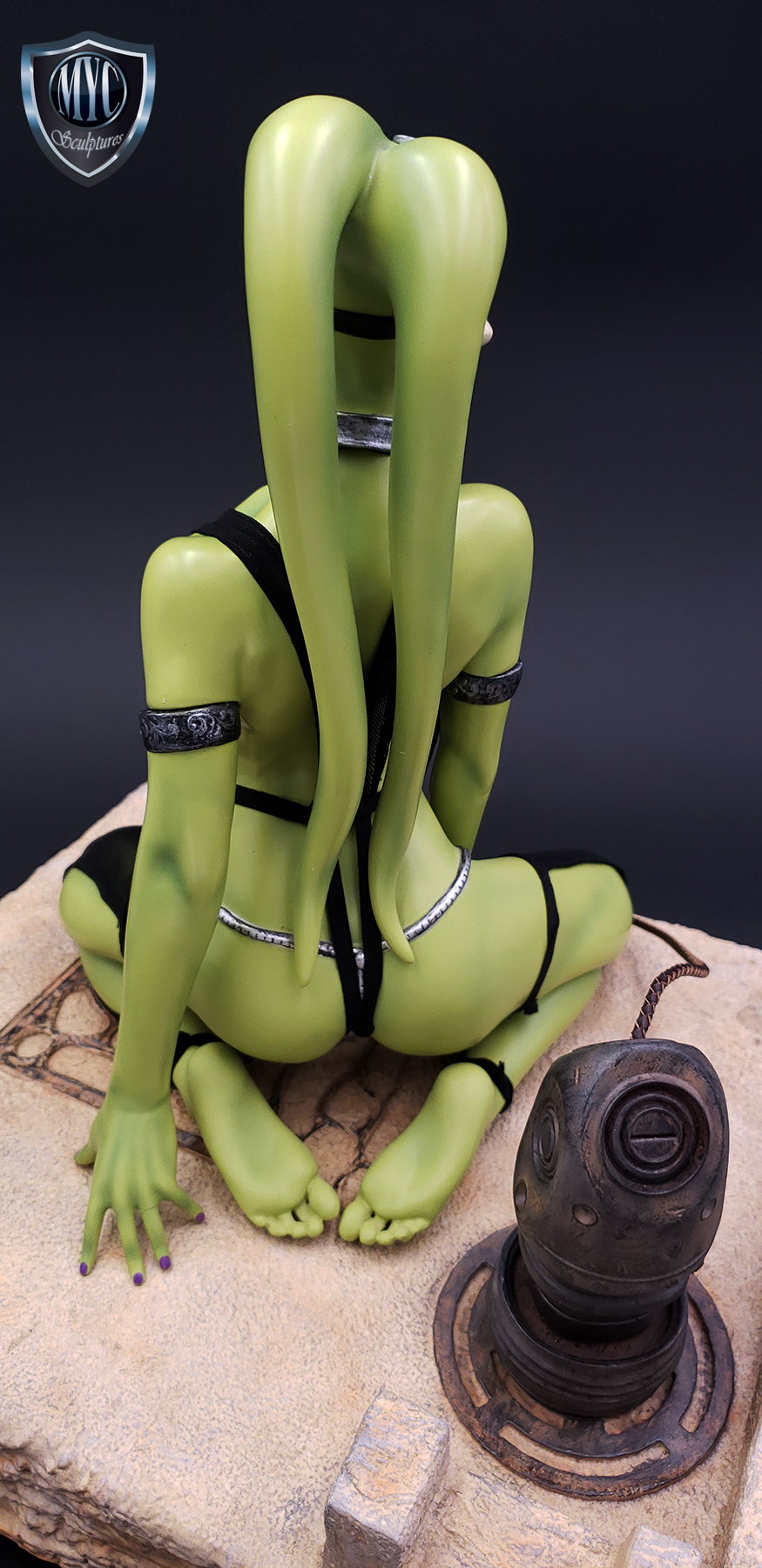 Oola_Star_Wars_Statue_20