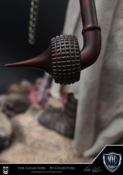 Tusken_Raider_and_Massiff_MYC_Sculptures_Statue_16