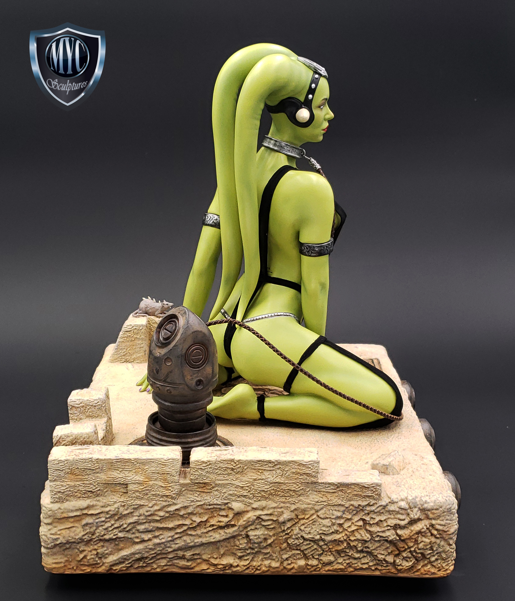 Oola_Star_Wars_Statue_07