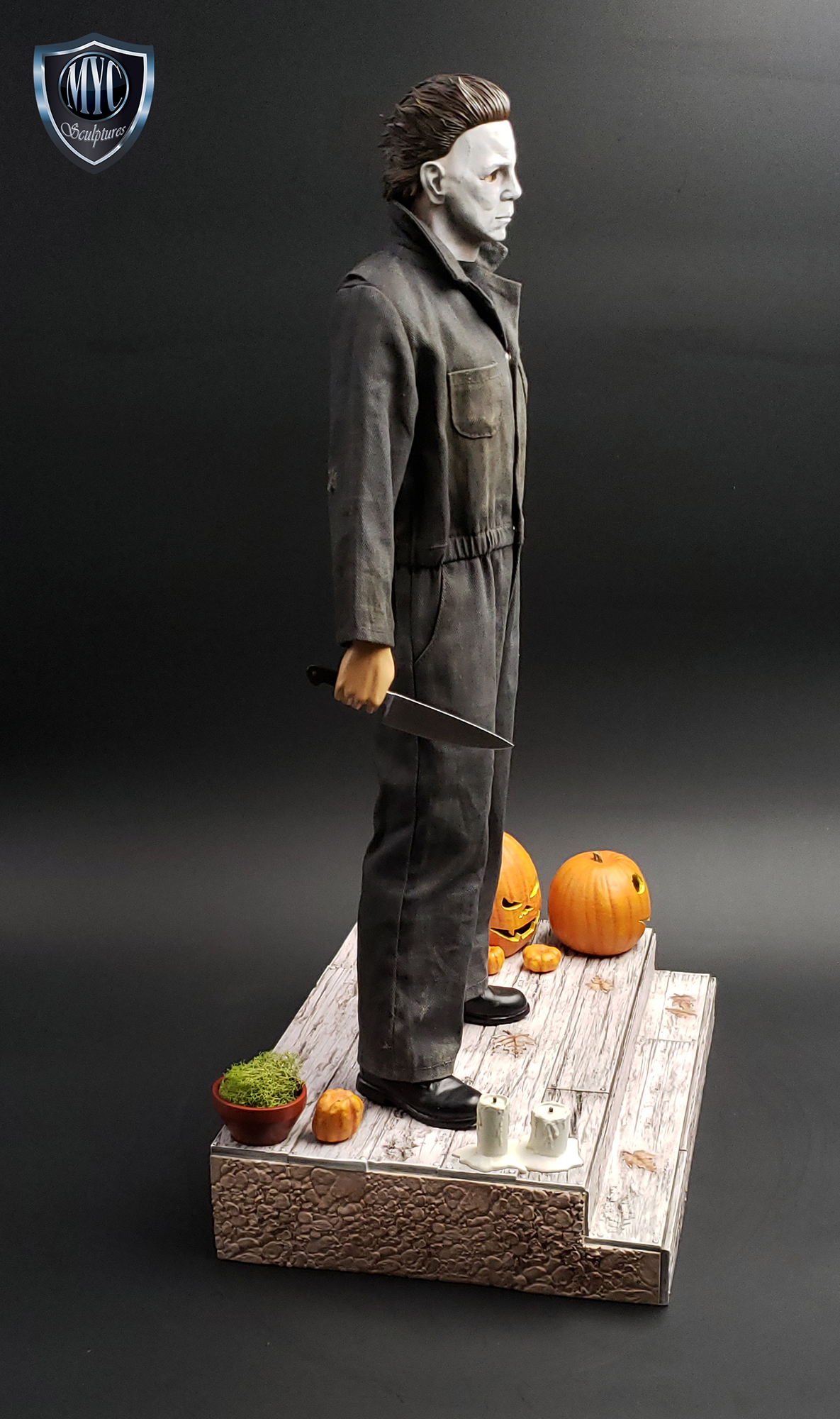 Michael_Myers_Custom_Statue_03