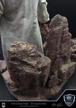 Tusken_Raider_and_Massiff_MYC_Sculptures_Statue_14