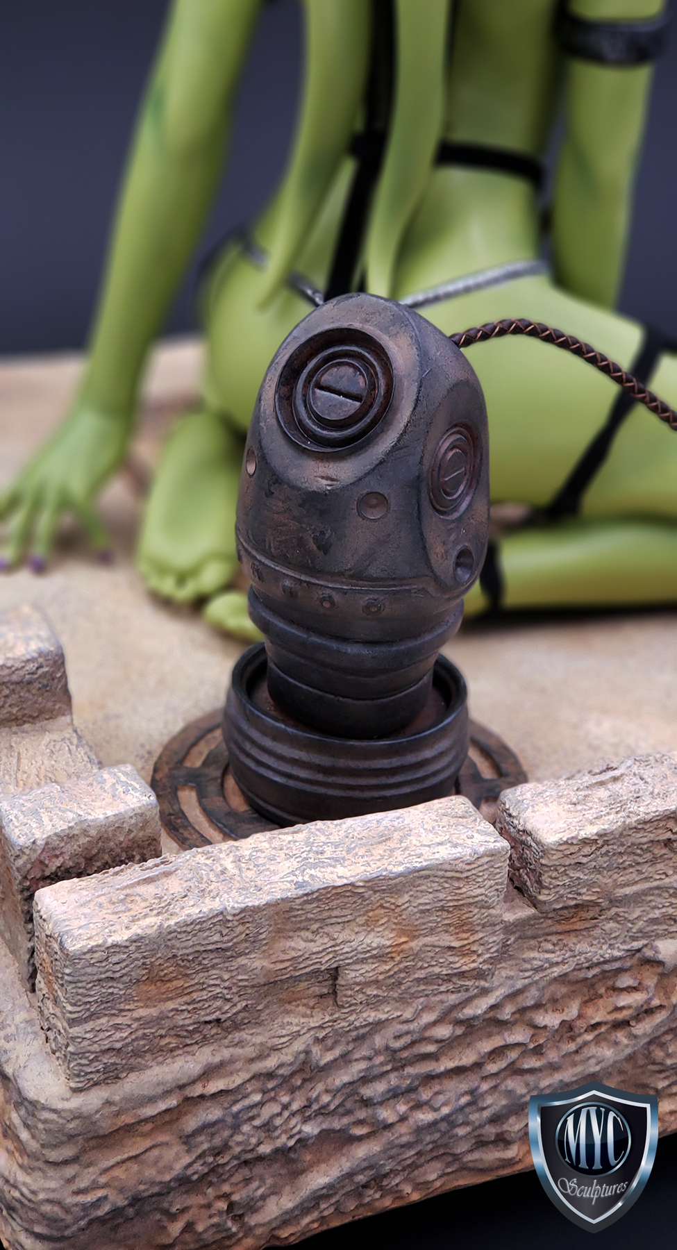 Oola_Star_Wars_Statue_15