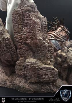 Tusken_Raider_and_Massiff_MYC_Sculptures_Statue_13