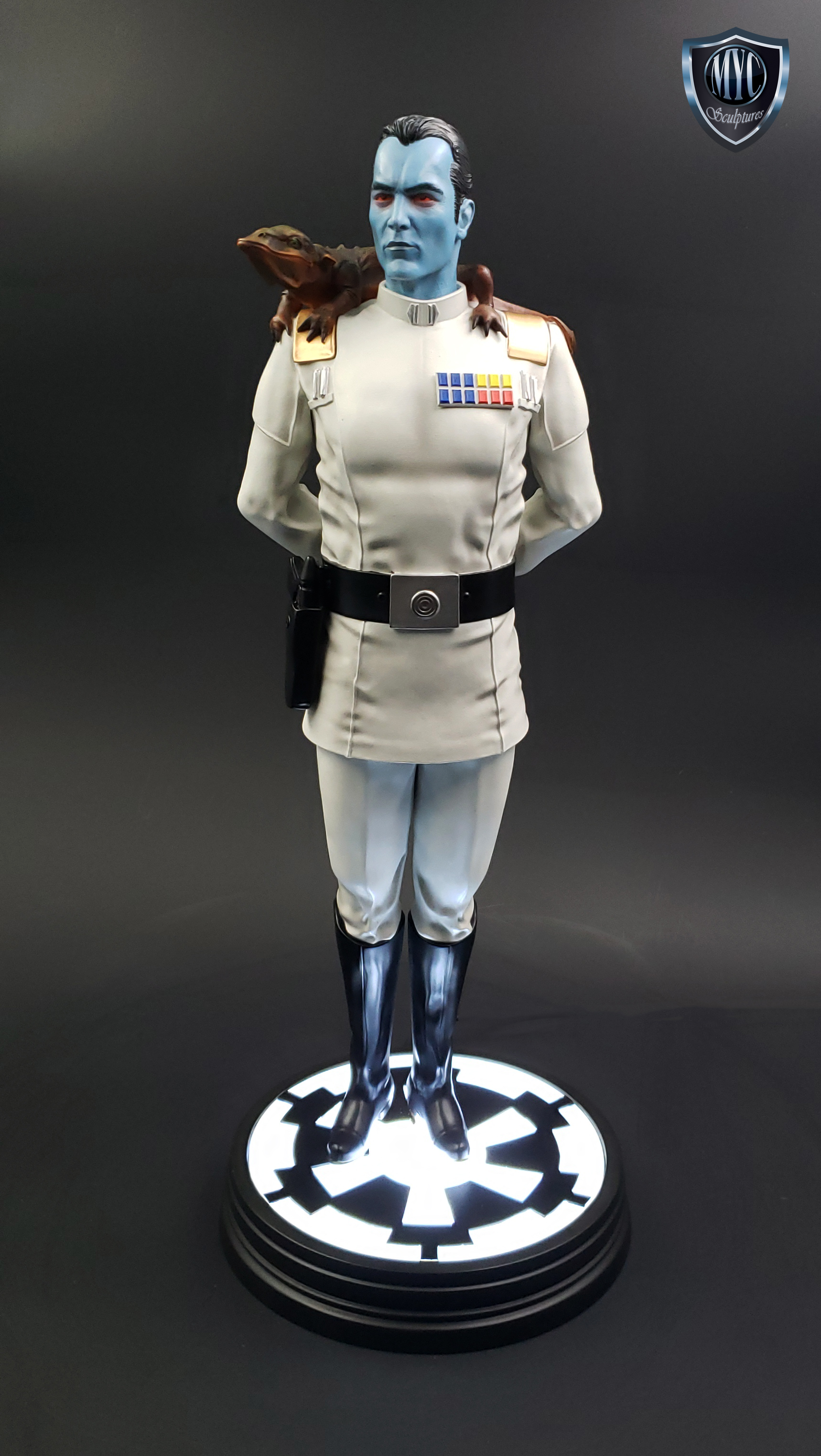 Thrawn_custom_statue_MYC_Sculptures_03