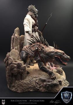 Tusken_Raider_and_Massiff_MYC_Sculptures_Statue_06