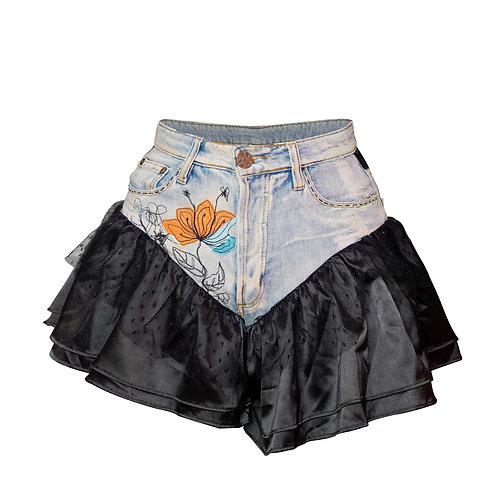 short saia com babados pretos & bordado