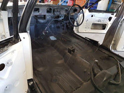 1976-Holden-HX-Monaro-GTS-Sedan-White-Cotillion  (27)