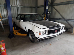 1976-Holden-HX-Monaro-GTS-Sedan-White-Cotillion  (56)