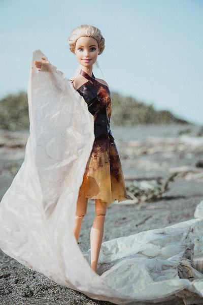 芭比燒灼厚塑膠袋洋裝600-1.jpg