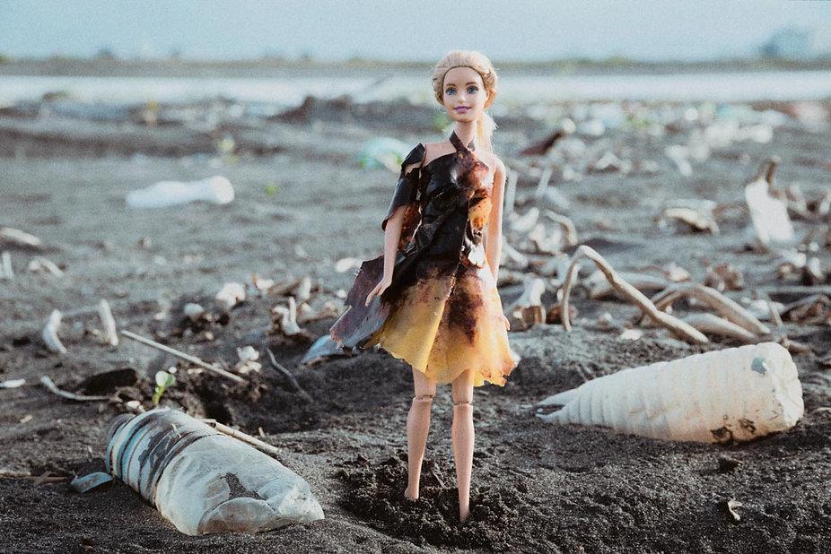 芭比燒灼厚塑膠袋洋裝1100-2.jpg