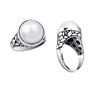 Graceful Moon Ring