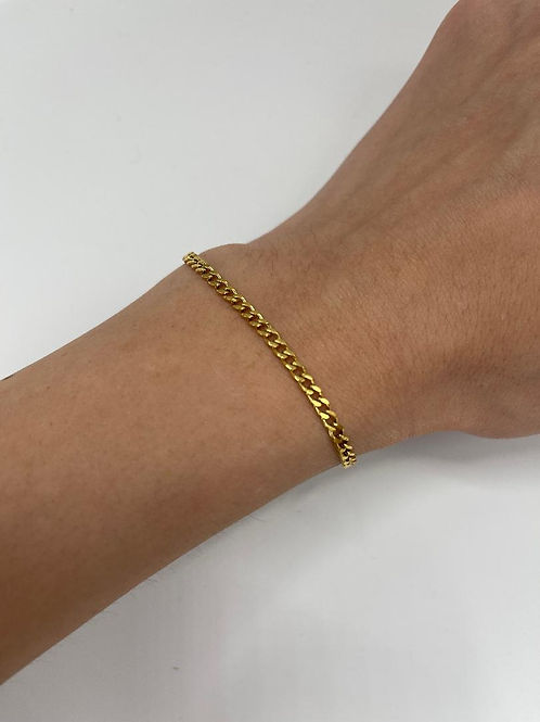 Anya Fine Cuban Link Bracelet.