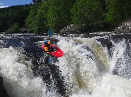 Moriston advanced white water kayak leader