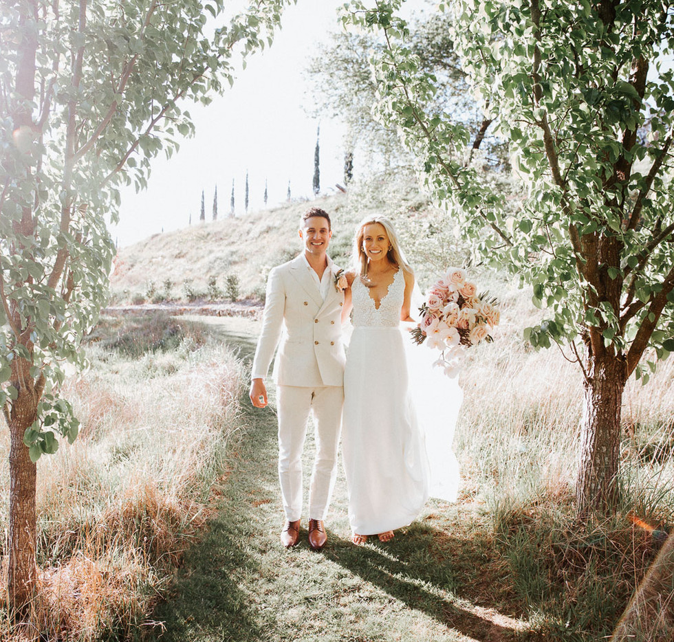 Magical wedding photography of a happy couple at Mali Brae Farm in the Southern Highlands.