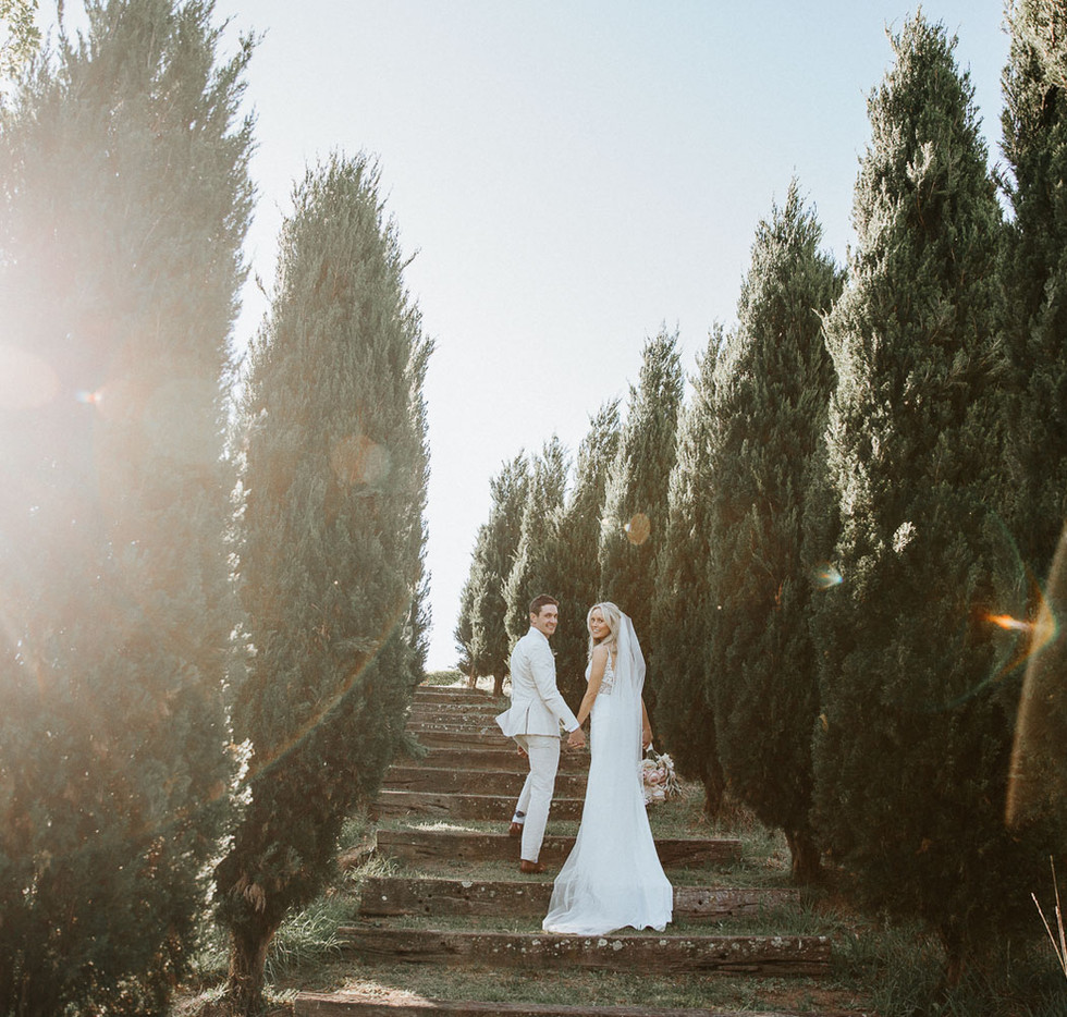 Beautiful Sydney wedding photography of a couple at Mali Brae Farm in the Southern Highlands.