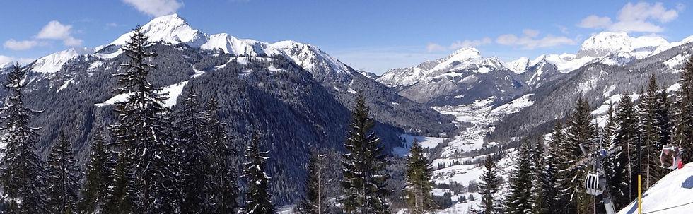Châtel en hiver : Le Mont de Grange, Les Cornettes de Bise.