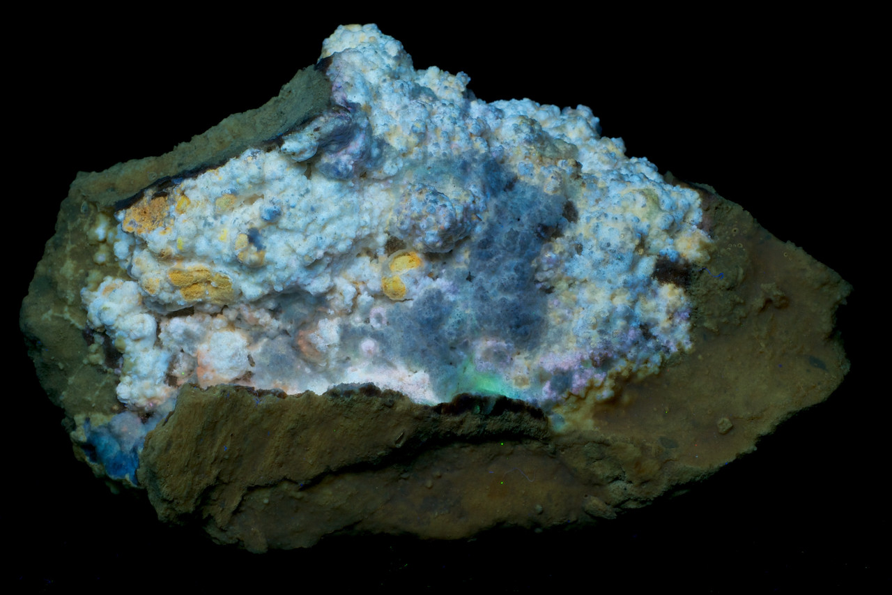 Aragonite and Calcite on Pumice