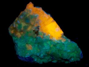 Tenebrescent Hemimorphite, Fluorapatite, Tarbuttite; Skorpion Mine, Namibia