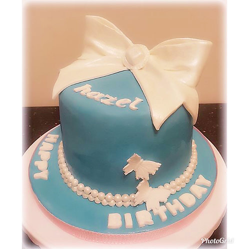 Tailormade Ribbon Girl Birthday Cake(Enquire for price)