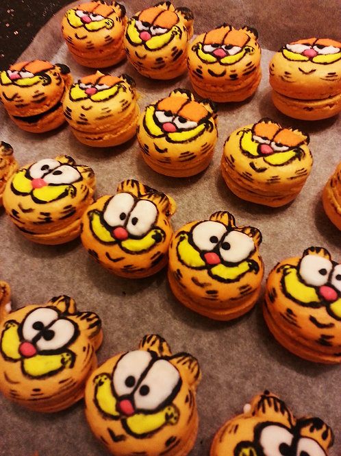 Handrawn Garfield Macarons(Price for 12)