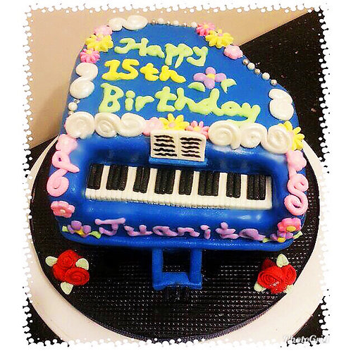 Tailormade Piano cake(Enquire for price)