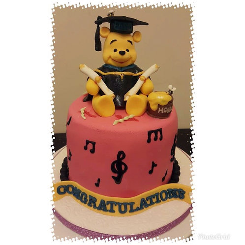 Tailormade Winnie the Pooh Garduation Cake(Enquire for price)