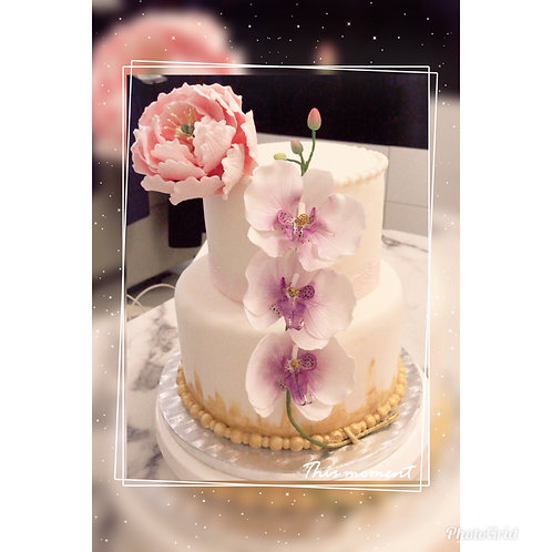 Tailormade Sugar Flower Wedding Cake(Enquire for price)