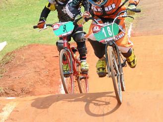 Bicicross de Indaiatuba sobe ao pódio em prova disputada do Paulista em Paulínia-SP.
