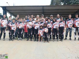Alunos da escola ACBI conquista 5 ouro na copa regional de BMX.