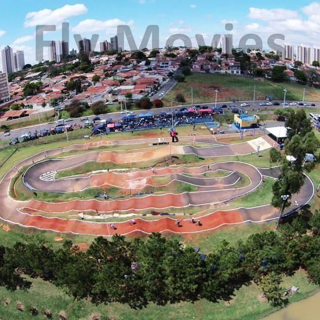 Foto aerea da pista no paulista..jpg
